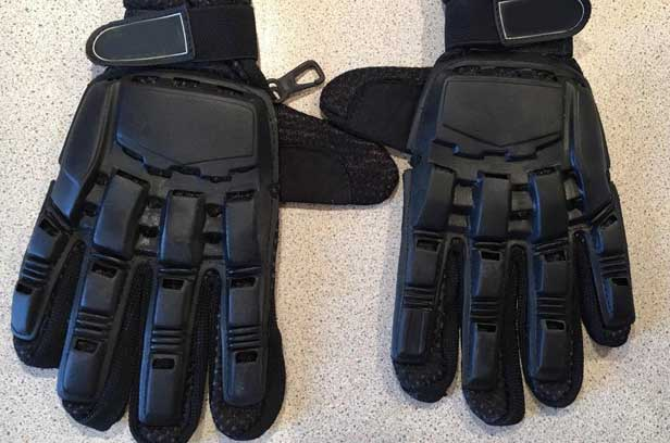 armoured-gloves